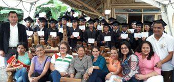 Graduación del curso de elaboración artesanías  y mobiliario en caña – GAD Manabí –  Gobierno Parroquial Cojimies – FUNDER  Comunidad Veche, Cojimies, Manabí