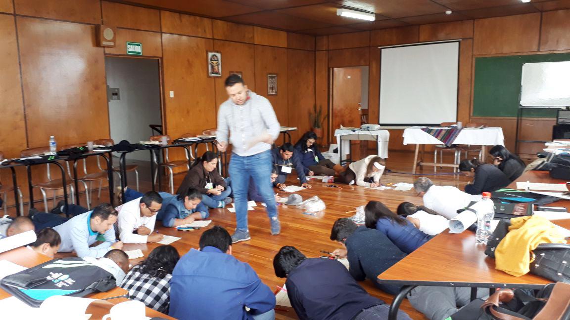 Formador de formadores de Jóvenes Constructores con personal de Sedes de FUNDER y UZDI, Quito