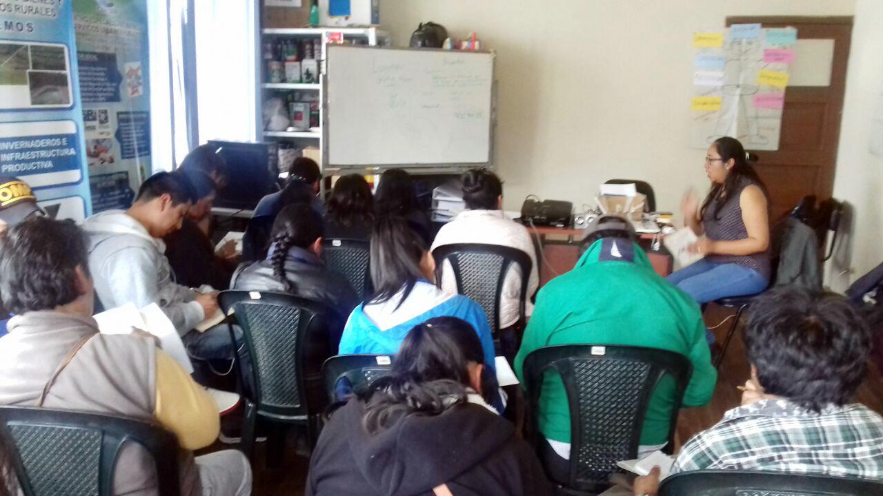 Talleres de la escuela de administración y finanzas   Proceso COOPINCOSAN – FUNDER, Guaranda