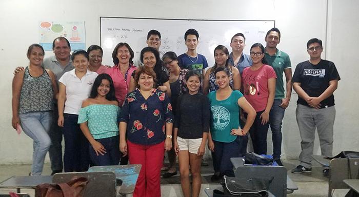 """Taller """"Mi plan de emprendimiento""""  grupo de emprendedores en diversas áreas  FUNDER – Programa Mi Chance, Machala, El Oro"""