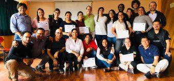 Equipo de promotores del programa Jóvenes Constructores, en el taller de  formación de formadores de la metodología YouthBuild, Quito