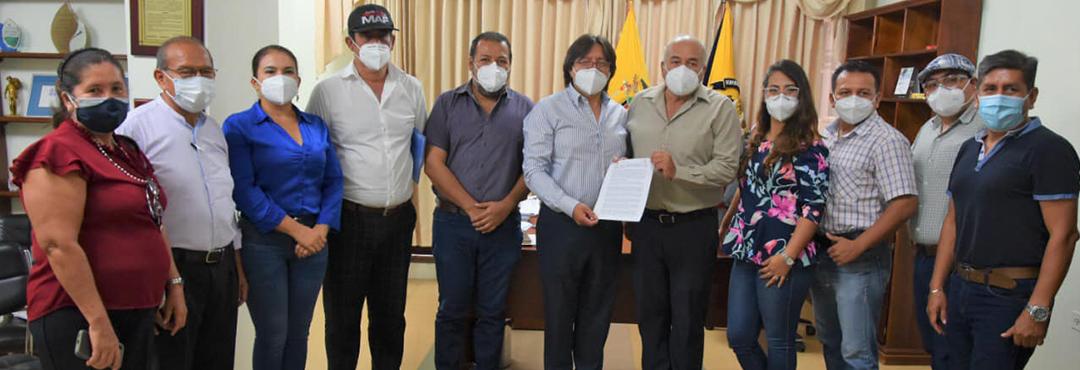 Firma de convenio entre FUNDER y GADM de HUAQUILLAS – Jovénes Constructores